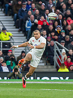 Jonathan Joseph in action, England v Ireland in a 6 Nations match at Twickenham Stadium, Whitton Road, Twickenham, England, on 27th February 2016