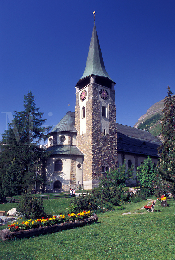 church, Switzerland, Zermatt, Valais, Alps, Catholic church in the mountain resort village of Zermatt in the Swiss Alps.