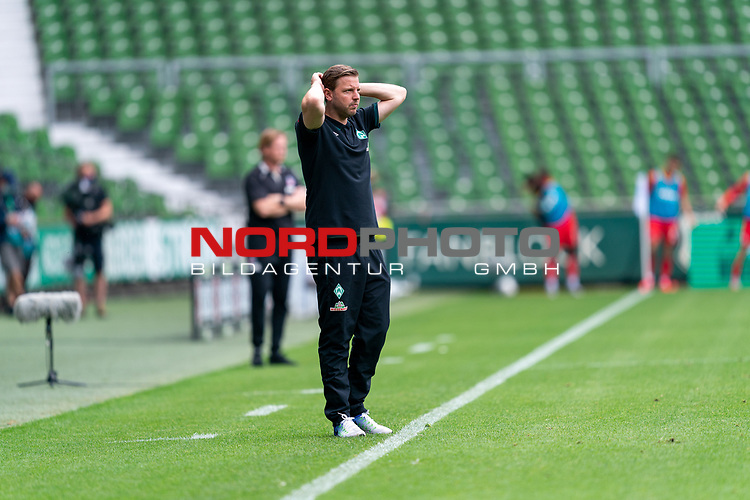 Florian Kohfeldt (Trainer SV Werder Bremen)<br /> <br /> <br /> Sport: nphgm001: Fussball: 1. Bundesliga: Saison 19/20: 34. Spieltag: SV Werder Bremen vs 1.FC Koeln  27.06.2020<br /> <br /> Foto: gumzmedia/nordphoto/POOL <br /> <br /> DFL regulations prohibit any use of photographs as image sequences and/or quasi-video.<br /> EDITORIAL USE ONLY<br /> National and international News-Agencies OUT.