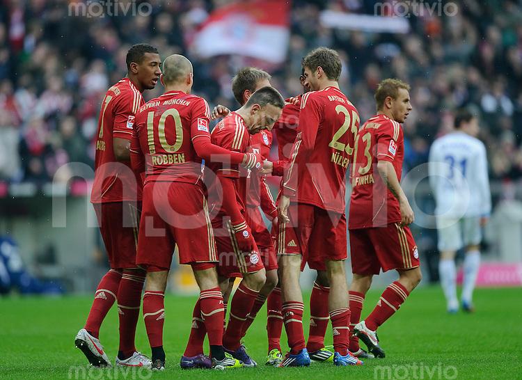Fussball Bundesliga Saison 2011/2012 24. Spieltag FC Bayern Muenchen - FC Schalke 04 Jubel zum Tor zum 2:0, v.l.: Jerome BOATENG (FCB), Arjen ROBBEN (FCB), Torschuetze Franck RIBERY (FCB), Philipp LAHM (FCB), Thomas MUELLER (FCB),  RAFINHA (FCB).