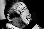 20171127/ Javier Calvelo - adhocFOTOS/ URUGUAY/ MONTEVIDEO/ Salon Azul IM/ En el marco del Festival MUFF (Festival de Fotografia de Montevideo - Uruguay) del CDF se desarrollo una jornada de cierre junto a  Alberto Garc&iacute;a-Alix fot&oacute;grafo espa&ntilde;ol que presento su exposicion en el CCE &ldquo;Un expresionismo feroz&rdquo; y donde se proyectar&aacute; el documental biogr&aacute;fico &ldquo;De donde no se vuelve&rdquo;.<br /> En la foto:  Alberto Garc&iacute;a-Alix. Foto: Javier Calvelo/ adhocFOTOS