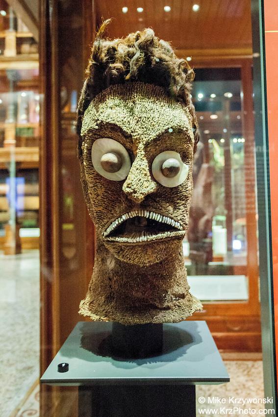 Hawaiian deity Ku exhibit, Bishop Museum, Honolulu
