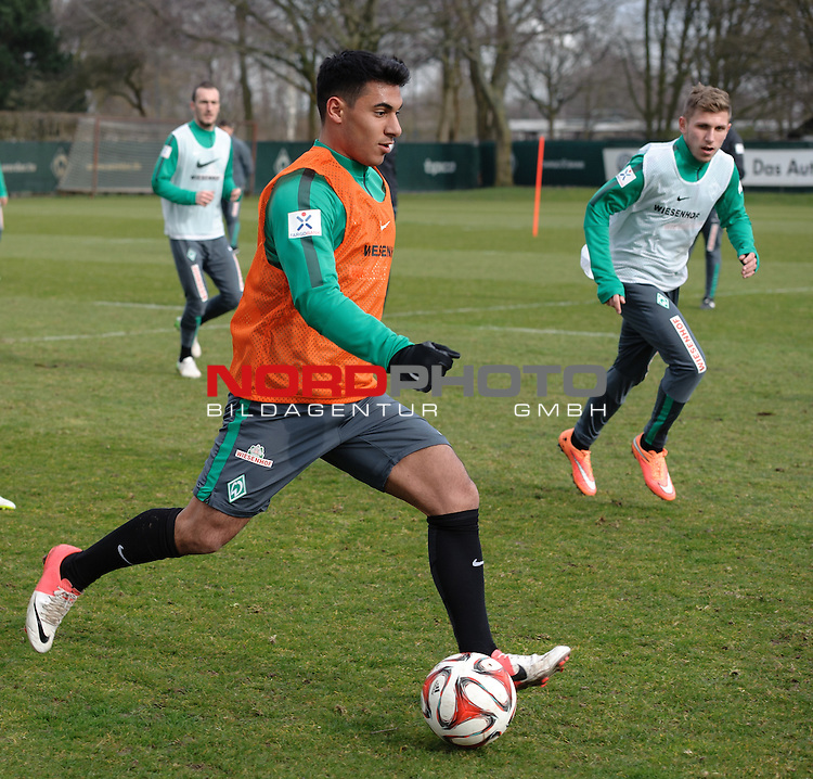 26.03.2015, Trainingsgelaende, Bremen, GER, 1.FBL, Training Werder Bremen, im Bild &Ouml;zkan / Oezkan Yildirim (Bremen #17)<br /> <br /> Foto &copy; nordphoto / Frisch
