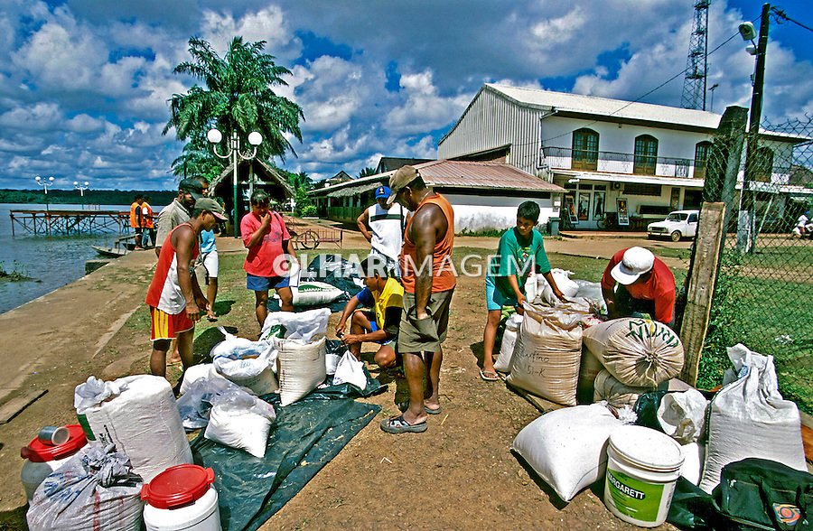 Comércio agrícola na fronteira, SaintGeorges. Guiana Francesa. Foto de Juca Martins. Data. 2004