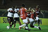 ATENÇÃO EDITOR: FOTO EMBARGADA PARA VEÍCULOS INTERNACIONAIS SÃO PAULO,SP,17 OUTUBRO 2012 - CAMPEONATO BRASILEIRO - PORTUGUESA x FLAMENGO - Vagner Love jogador do Flamengo durante partida Portuguesa x Flamengo válido pela 31º rodada do Campeonato Brasileiro no Estádio Doutor Osvaldo Teixeira Duarte (Canindé), na região norte da capital paulista na noite desta quarta feira  (17).(FOTO: ALE VIANNA -BRAZIL PHOTO PRESS).