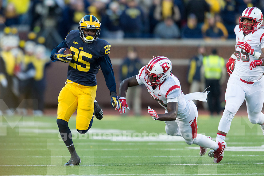 The University of Michigan football team beats Rutgers, 49-16, at Michigan Stadium in Ann Arbor on Nov. 7, 2015.