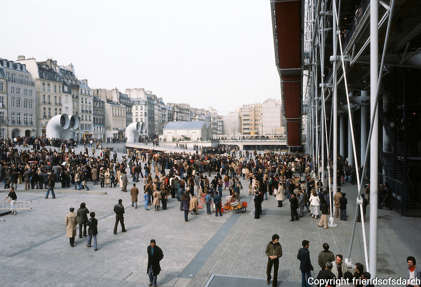 Renzo Piano and Richard Rogers: Centre Pompidou, Paris. Plaza from SW corner.