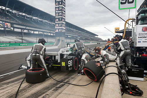 12-14 May, 2016, Indianapolis, Indiana USA<br /> Alexander Rossi pit stop <br /> ©2016, Sam Cobb<br /> LAT Photo USA