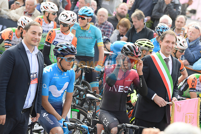 Giro winner Richard Carapaz (ECU) Movistar Team and Tour winner Egan Bernal (COL) Team Ineos chat before the start of the 103rd edition of GranPiemonte 2019 running 183km from Aglie to Santuario di Oropa (Biella), Italy. 10th Octobre 2019. <br /> Picture: Fabio Ferrari/LaPresse | Cyclefile<br /> <br /> All photos usage must carry mandatory copyright credit (© Cyclefile | LaPresse/Fabio Ferrari)