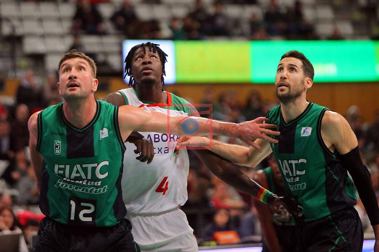 League ACB-Endesa 2015-2016. Game: 16.<br /> FIATC Joventut vs Laboral Kutxa Baskonia: 68-89.<br /> Suton, Mamadou Diop &amp; Sergi Vidal.