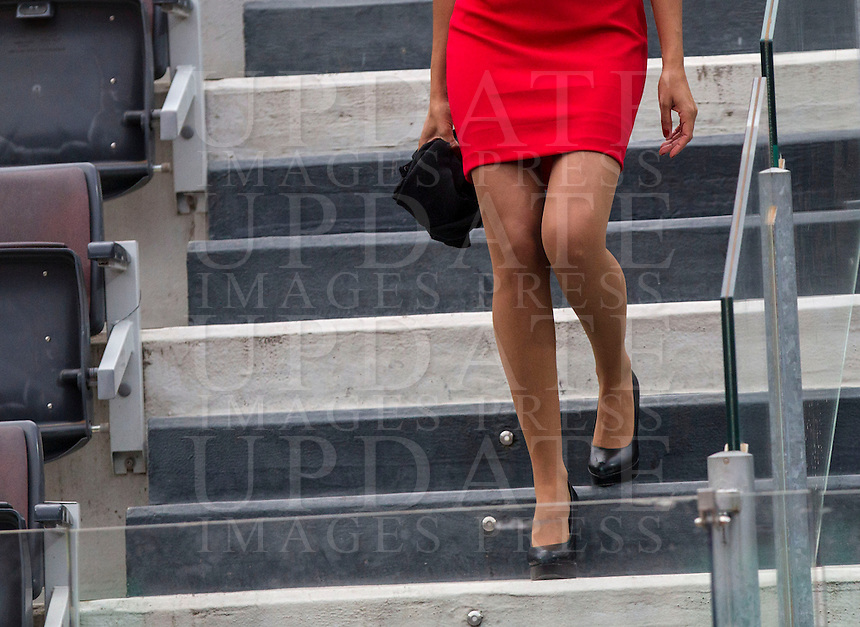 Una hostess scende le scale del campo Centrale durante gli Internazionali d'Italia di tennis a Roma, 14 maggio 2015. <br /> A hostess down stairs at the Central court during the Italian Open tennis tournament in Rome, 14 May 2015.<br /> UPDATE IMAGES PRESS/Riccardo De Luca