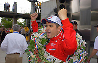 87th Indianapolis 500, Indianapolis Motor Speedway, Speedway, Indiana, USA  25 May,2003.Gil de Ferran celebrates..World Copyright©F.Peirce Williams 2003 .ref: Digital Image Only..F. Peirce Williams .photography.P.O.Box 455 Eaton, OH 45320.p: 317.358.7326  e: fpwp@mac.com..