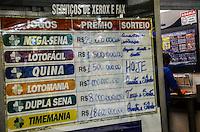 RIO DE JANEIRO, RJ, 28 AGOSTO 2012-MEGA-SENA ACUMULADA-O concurso 1420 da Mega-Sena, que esta acumulado, pode pagar, nesta quarta feira (29), um premio de 22 milhoes de reais. O sorteio sera as 20h25(horario de Brasilia), na Praca Saens Pena, zona norte do Rio de Janeiro.(FOTOMARCELO FONSECA BRAZIL PHOTO PRESS).