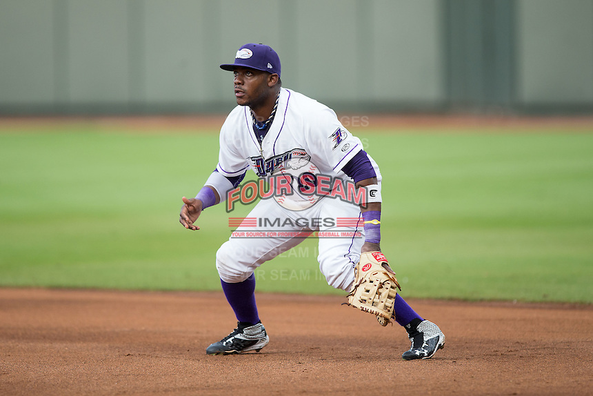 Winston-Salem Dash first baseman Telvin Nash (20) on defense against the Myrtle Beach Pelicans at BB&T Ballpark on July 7, 2016 in Winston-Salem, North Carolina.  The Dash defeated the Pelicans 13-9.  (Brian Westerholt/Four Seam Images)