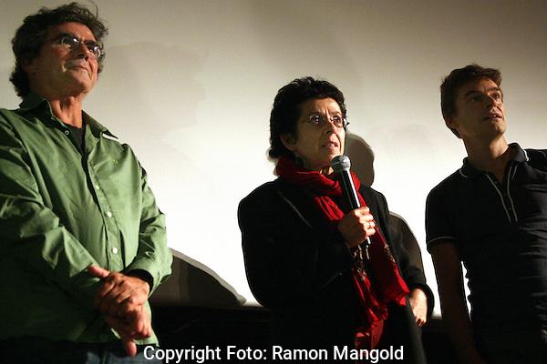 """Utrecht.NFF 2008 - Nederlands Filmfestival.20080929.Foto: Ramon Mangold.Heddy Honigmann bij de premiere van """"El Olvido"""" tussen de crew."""