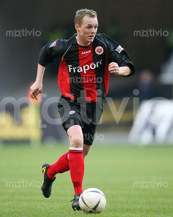 Fussball  1. Bundesliga  Saison 2006/2007 Christoph PREUSS (Eintracht Frankfurt), Einzelaktion am Ball