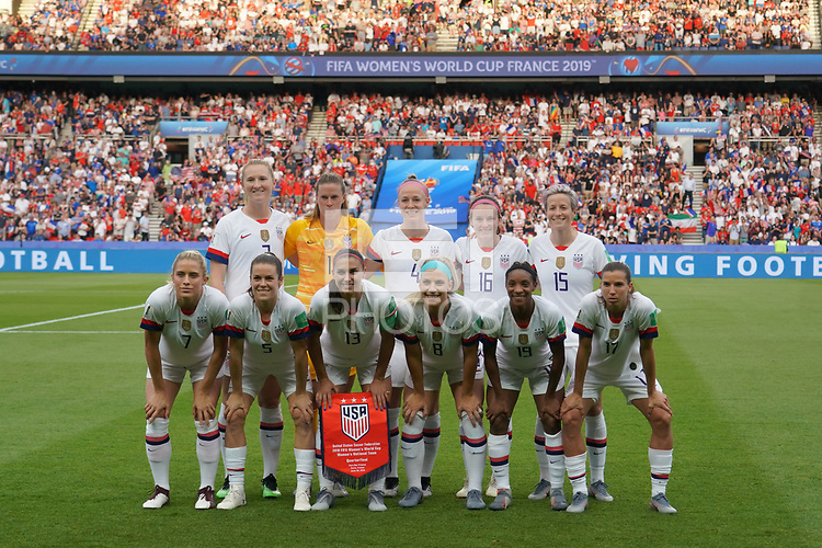 PARIS, FRANCE - JUNE 28: United States Starting Eleven prior to a 2019 FIFA Women's World Cup France quarter-final match between France and the United States at Parc des Princes on June 28, 2019 in Paris, France.