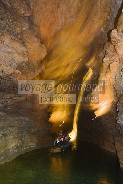Europe/France/Midi-Pyrénées/46/Lot/Padirac: Gouffre de Padirac - Navigation en barque sur la rivière souterraine