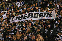 SAO PAULO, SP, 25 DE MAIO 2013 - CAMP BRASILEIRO - Torcedores Corinthians durante partida contra Botafogo valido para pimeira rodada do Campeonato Brasileiro no Estadio do Pacaembu neste sabado, 25 FOTO VANESSA CARVALHO- BRAZIL PHOTO PRESS
