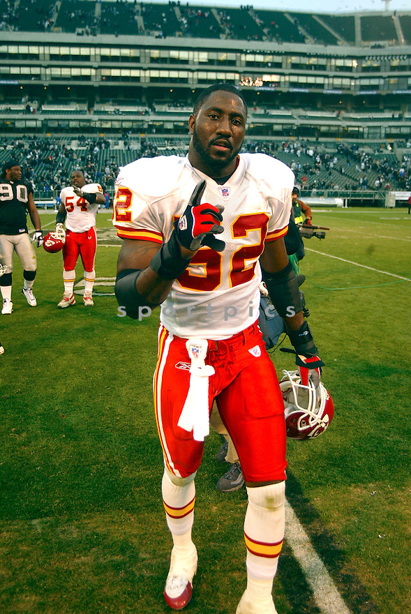 Quinton Caver during the Kansas City Chiefs v. Oakland Raiders game on December 5, 2004...Chiefs win 34-27..Rob Holt / SportPics