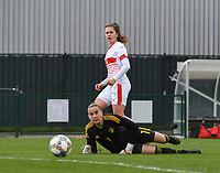 20190403  - Tubize , BELGIUM : Belgian Femke Bastien (goalkeeper) and  Swiss Svenja Folmli (white)  pictured during the soccer match between the women under 19 teams of Belgium and Switzerland , on the first matchday in group 2 of the UEFA Women Under19 Elite rounds in Tubize , Belgium. Wednesday 3 th April 2019 . PHOTO DIRK VUYLSTEKE / Sportpix.be