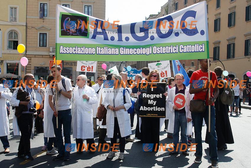 Associazione ginecologi ostetrici cattolici.Roma 13/05/2012 Marcia per la vita degli antiabortisti..Photo Samantha Zucchi Insidefoto
