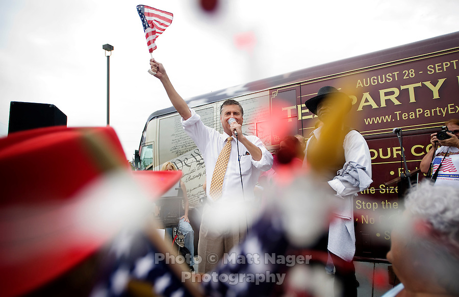 Mark Williams (cq), vice chairman, Our Country Deserves Better, speaks during a Tea Party Express rally at the Cape Buffalo Grille in Dallas, Texas, Friday, September 4, 2009. The Tea Party Express is heading to Washington, DC where it will hold a final rally against higher government spending, higher taxes, and President Obama's push to reform health care...MATT NAGER/ SPECIAL CONTRIBUTOR