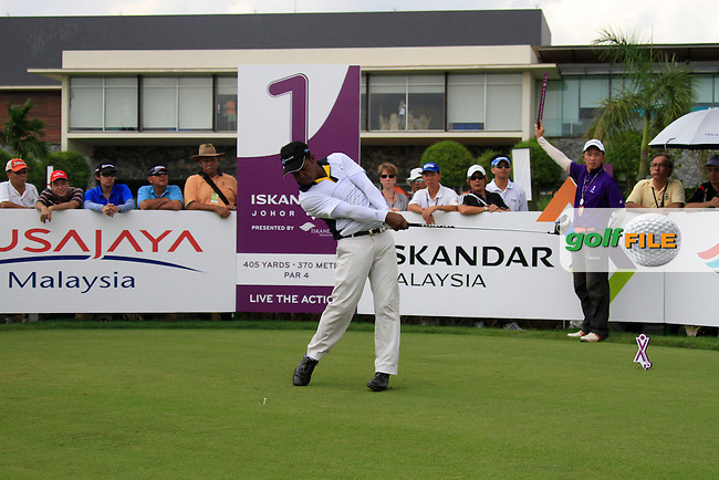 Mohd Siddikur (BAN) tees off on the 1st tee to start his match during Saturday's storm delayed  Round 3 of the Iskandar Johor Open 2011 at the Horizon Hills Golf Resort Johor, Malaysia, 19th November 2011 (Photo Eoin Clarke/www.golffile.ie)