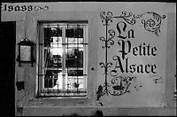 """Europe/France/Alsace/67/Bas-Rhin/Strasbourg: Enseigne d'un restaurant de """"La Petite France"""""""