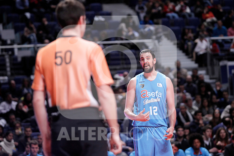 Asefa Estudiantes' German Gabriel have words with the referee during Liga Endesa ACB match.December 1,2012. (ALTERPHOTOS/Acero)