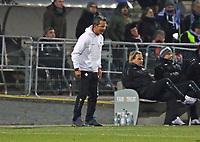 Trainer Dirk Schuster (SV Darmstadt 98) regt sich auf - 21.02.2018: SV Darmstadt 98 vs. 1. FC Kaiserslautern, Stadion am Boellenfalltor, 2. Bundesliga