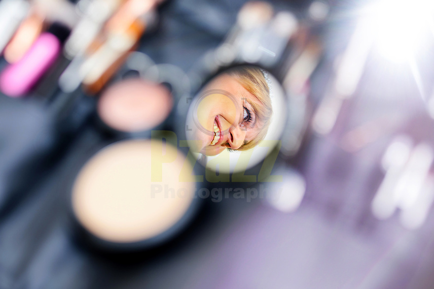 Brides reflection in the Compact Mirror