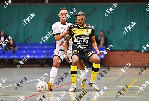 2016-10-14 / Futsal / Seizoen 2016-2017 / FT Antwerpen - Lier / Anik Aiyoub (Lier) met Jawad Yachou in de rug<br /> <br /> ,Foto: Mpics.be