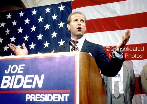 Washington, D.C. - June 9, 1987 -- United States Senator Joseph Biden (Democrat of Delaware) his intention to run for the Democratic nomination for of the United States in 1988 in Washington, D.C. on June 9, 1987..Credit: Howard L. Sachs / CNP