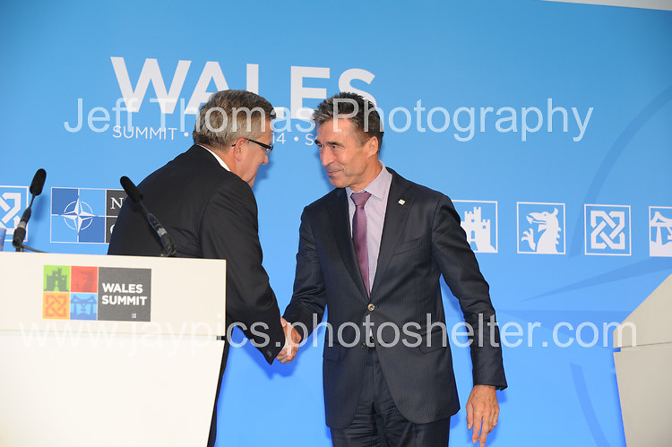 Celtic Manor Resort, Newport, South Wales<br /> <br /> The President of Poland Bronislaw Komorowski and The Secretary General of Nato Anders Fogh Rasmussen shake hands at the end of the Press conference. <br /> <br /> <br /> Photographer: Jeff Thomas - Jeff Thomas Photography - 07837 386244/07837 216676 - www.jaypics.photoshelter.com - swansea1001@hotmail.co.uk