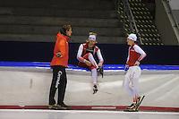 SCHAATSEN: HEERENVEEN: 19-09-2014, IJsstadion Thialf, Topsporttraining, Peter Kolder (trainer Team Corendon), Sjoerd de Vries, Marrit Leenstra, ©foto Martin de Jong