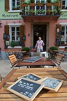 Europe/Provence-Alpes-Côte d'Azur/83/Var/Massif des Maures/Collobrières: Bar à vin , Bar aTapas: Un Air de Rien - Place de la Libération
