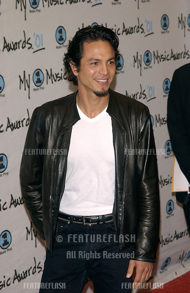 Actor BENJAMIN BRATT at the My VH1 Music Awards in Los Angeles..02DEC2001.  © Paul Smith/Featureflash