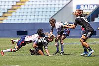 BARUERI, SP, 08.02.2015 - CIRCUITO MUNDIAL DE RUGBY SEVENS - QUARTAS DE FINAIS - NOVA ZELANDIA - ESTADOS UNIDOS - Lance de partida entre Nova Zelandia - Estados Unidos jogo valido pelo Circuito Mundial Feminino de Rugby Sevens na Arena Barueri em Barueri na grande São Paulo, neste domingo, 08. (Foto: Vanessa Carvalho / Brazil Photo Press).