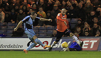 Garry Thompson of Wycombe has a shot on goal during the Sky Bet League 2 match between Luton Town and Wycombe Wanderers at Kenilworth Road, Luton, England on 26 December 2015. Photo by Liam Smith.