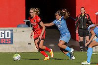Bridgeview, IL - Sunday June 12, 2016: Allie Long during a regular season National Women's Soccer League (NWSL) match between the Chicago Red Stars and the Portland Thorns at FC Toyota Park.