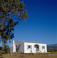 This unassuming nineteenth-century whitewashed building was formerly used by springbok as a windbreak