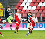 Nederland, Utrecht, 23 december 2012.Eredivisie .Seizoen 2012-2013.FC Utrecht-Ajax.Daley Blind (l.) van Ajax in actie met bal. Rechts Thomas Oar van FC Utrecht.