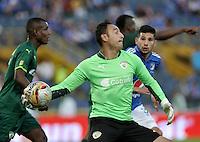 BOGOTA - COLOMBIA -15 -05-2016: Diego Novoa, portero de La Equidad, en acción, durante partido entre La Equidad y Millonarios, por la fecha 18 de la Liga Aguila I-2016, jugado en el estadio Nemesio Camacho El Campin de la ciudad de Bogota. / Diego Novoa, goalkeeper of La Equidad, in action, during a match La Equidad and Millonarios, for the  date 18 of the Liga Aguila I-2016 at the Nemesio Camacho El Campin Stadium in Bogota city, Photo: VizzorImage  / Luis Ramirez / Staff.