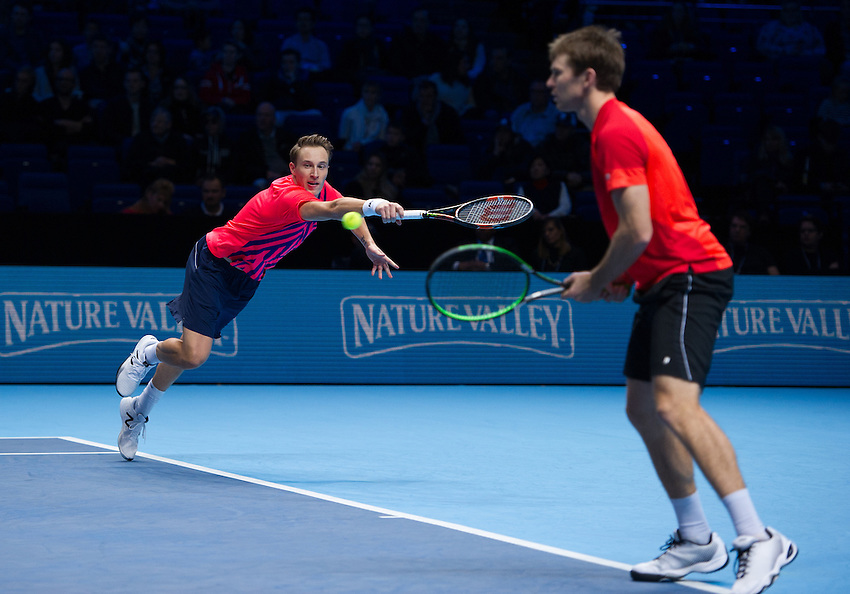 John Peers of Australia (right) and Henri Kontinen of Finland in action against Raven Klaasen of South Africa and Rajeev Ram of the U.S in the men&rsquo;s Doubles Final match on day eight of the ATP World Tour Finals <br /> <br /> Photographer Ashley Western/CameraSport<br /> <br /> International Tennis - Barclays ATP World Tour Finals - Day 8 - Sunday 20th November 2016 - O2 Arena - London<br /> <br /> World Copyright &copy; 2016 CameraSport. All rights reserved. 43 Linden Ave. Countesthorpe. Leicester. England. LE8 5PG - Tel: +44 (0) 116 277 4147 - admin@camerasport.com - www.camerasport.com