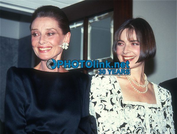 Audrey Hepburn Isabella Rossellini 1991<br /> Photo By John Barrett/PHOTOlink
