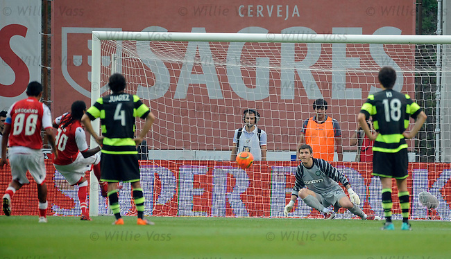 Alan scores penalty for Braga