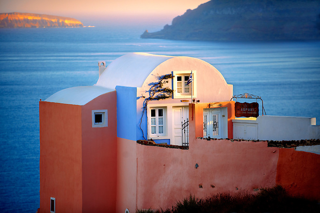 oia ( Ia ) Santorini - Greek Cyclades islands - Photos, pictures and images