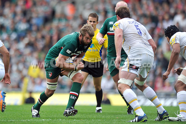 Geoff Parling goes on the charge. Aviva Premiership match, between Leicester Tigers and Worcester Warriors on September 8, 2013 at Welford Road in Leicester, England. Photo by: Patrick Khachfe / JMP