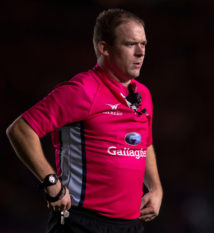 Referee Ian Tempest<br /> <br /> Photographer Bob Bradford/CameraSport<br /> <br /> Gallagher Premiership Round 9 - Harlequins v Exeter Chiefs - Friday 30th November 2018 - Twickenham Stoop - London<br /> <br /> World Copyright © 2018 CameraSport. All rights reserved. 43 Linden Ave. Countesthorpe. Leicester. England. LE8 5PG - Tel: +44 (0) 116 277 4147 - admin@camerasport.com - www.camerasport.com